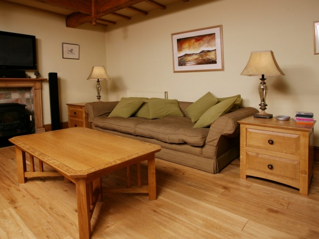 Oak Coffee Table & Chest Of Drawers