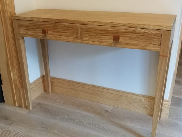 Oak Hall Table With Cherry Knobs & Inlay
